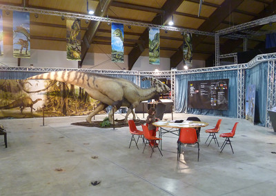 DINOSAURS IN THE FLESH - Traveling Exhibition